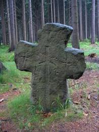 Víte o nějakém smírčím kříži ve vašem okolí?