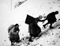 Ženy horníků na uhelných haldách