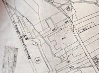 Mapa 7: Plán celého areálu s vyznačením všech třech továren ze 30.let 20. století Odzdola č. p. 320 a 383