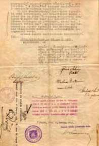 Foto originálu kupní smlouvy. Podpisy a jména: Adolf Waldstein, Růně Antonín ředitel, Vácha Antonín náměstek, Kladiva Rudolf, tč. jednatel