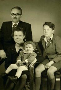 Rodina Karla Budaře