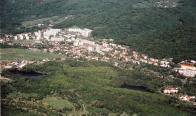 Janov náleží do území, kde výstavba novodobých sídlištních celků v pásu při krušnohorském úpatí ovlivnila vzhled původní zástavby historických lokalit