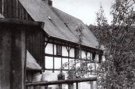 V Janově zůstala řada domů s hrázděným patrem zachována do 80.let 20.století, jejich místo zaujalo panelové sídliště