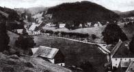 Český Jiřetín a Mikulovice patří dodnes v horském prostředí uchovávají svůj původní vzhled. Mnohé zemědělské usedlosti dnes slouží k chalupaření