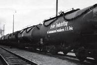 Vlak s prvním syntetickým benzínem opustil brány STW 15. prosince 1942.