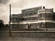 Lomská sokolovna v době svého vzniku