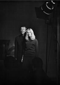 Inscenace DMD Znamení moci (1968): Miroslav Kovářík, Anna Voláková