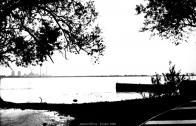 Pohled od severu přes jezero, v pozadí elektrárna Ervěnice r.1965