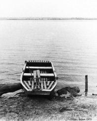 Zátiší s typickou rybářskou pramičkou r.1970