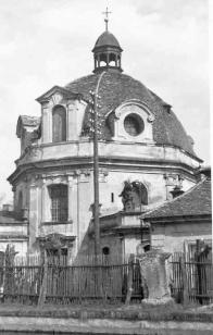 Panský hospitál s pozůstatkem kaple křížové cesty