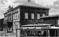 Hotel Weber s vagonem tramvajové linky  Brüx-Oberleutensdorf-Johnsdorf cca 1943.