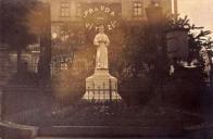 Tato fotografie vznikla při výročí sletu sokolů v Lomu v r. 1924