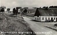 Schindlerova hospoda ještě stojí: http://bit.ly/ieTQcV