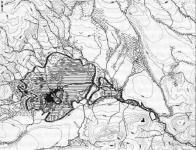 Komořanské jezero v pravěku a středověku.Vyznačen vrch Hněvín a obvod středového města