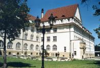 Mostecké muzeum v kterém se nalézá i knihovna