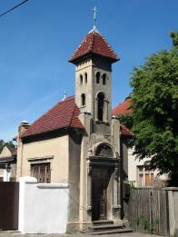 Kaple z roku 1904 při cestě do Nových Verneřic