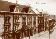 Budova radnice na 1. náměstí v roce 1908, kde byl od roku 1878 zřízen telegraf