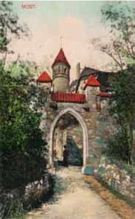 Vstupní brána na hrad Hněvín roku 1909