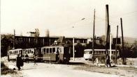 """Přestup z trolejbusu na tramvaj do Janova v H. Litvínově """"Pod Pikovkou""""r. 1946"""