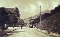 Vůz linky z čepirožské výsypky projíždí Křižovnickém náměstí v r. 1925