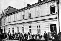 Proslulý hostinec u Jíšů, byl v letech 1918 - 1920 sídlem revolučního Národního výboru v Oseku
