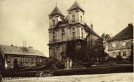 Kostel a Klausnitzerova manufaktura bavlny a lnu