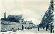 Klášter kapucínů s kostelem Nanebevzetí Panny Marie byl postavený v letech 1616 - 1627