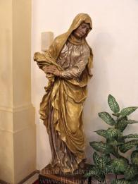 12/ Kalvárie -sousoší z první poloviny 17.stol. socha Panny Marie v životní velikosti