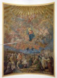 """2/ Nástropní malba - freska: """"Nanebevzetí Panny Marie"""" kolem roku 1900 ohromná malba od malíře Franze Reimbotha z Drážďan."""