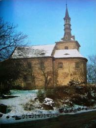 Kostel sv. Václava vzácně na barevné fotografii 60.léta 20.století