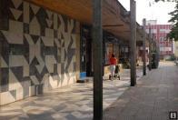 Mramorová mozaika na chodníku a stěně nákupního střediska v Litvínově (1977)