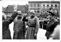 Slavnostní setkání nacistů  na náměstí