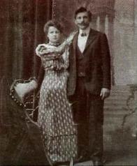 Svatební snímek starosty dolního Litvínova Františka Štiky a jeho manželky Gusty,která ho zpět do Ameriky už nepustila.