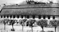 Původní budova čp. 11 ve které byly ve 20 letech 20 století umístěny česká a německá knihovna a čítárna