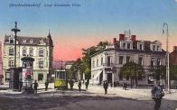 Vlevo č. p. 524 lékárna U Huberta z r. 1906 již po přestavbě