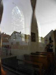 Interiér Kaple sv.Trojice v Lomu