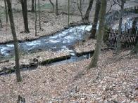 Pila a hračkárna Marzin v r.2010.Náhon k rybníčku,když byl rybník naplněn voda se vracela propustí náhonu do potoka-jednoduché chytré.