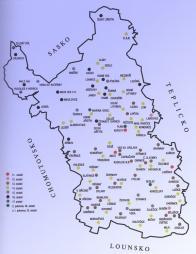 Rozvoj osídlení na Mostecku. Pro území Mostecka je velmi významné, že s mnohými sídelními lokalitami jsou identické první historicky ověřené údaje již v 11. století. Mimo Mostu, o něm; : první zmínka k roku 1040, se k roku 1057 udávají jména dvou nejstarších vesnic - Kopisty a Liběšice. Do 12. století spadají Libkovice, zmiňované k roku 1186, a Skršín, který se objevuje v historických pramenech poprvé roku 1100.   Výsledky procesu zemědělské kolonizace se dostavily v průběhu 13. století, kdy zaznamenáváme nová jména 23 vesnic. Tím byl otevřen prostor dalšímu rozšiřování osídlení s výraznou gradací ve 14. století, kdy se poprvé objevuje v písemných pramenech 38 jmen dalších vesnic. Polohou některé dokladují zvýšení horizontu osídlení. Klíny (1355) a Sedlo (1352) zase dokladují snahu o hornickou kolonizaci Krušnohoří z české strany a první pokusy o těžbu stříbra na Mostecku. Čas pro druhou vlnu hornické kolonizace a v dané době rozsáhlou urbanizaci české části Krušných hor je vymezen hlavně 16. stoletím. Pouze v horské části Mostecka přibylo 11 dalších jmen, která jsou novými sídelními lokalitami.s báňským centrem Hora Svaté Kateřiny