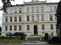 Krásně zrekonstruovaná škola budovy v Horním Jiřetíně 2008