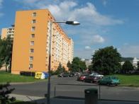 Tam kde je dnes panelový dům, stál hotel Banhof