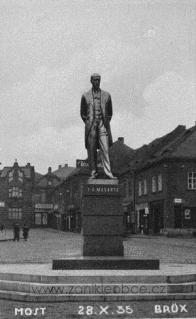 28.10.1935 na I. náměstí