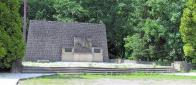 Pomník v celkovém záběru