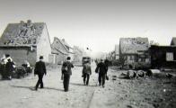 Zničené domy po náletu 12. května 1944 v Záluží