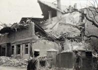 Zničený dům v Záluží po náletu 12.května 1944
