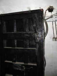 Tlakové dveře mezi místnostmi