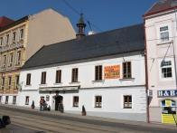 od 60.let 20.století, je v bývalé radnici restaurace - Radniční sklípek