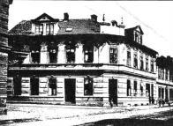 Bývalý hostinec, dům Jindřicha Bindera, čp. 104, v Chudeřině, kde byly pronajaty přízemní místnosti pro výuku žáků české školy