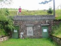 Vstup do vodní štoly u bývalé samoty Vápenice