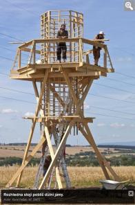 Rozhledna stojí poblíž důlní jámy