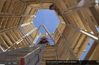 Práce na stavbě rozhledny u Strupčic na Mostecku